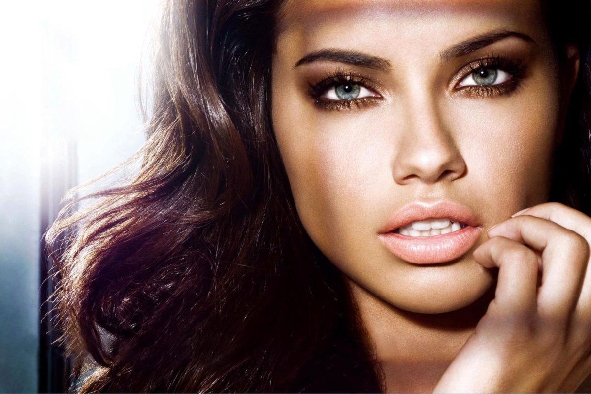 Shoppez un look de star… Adriana Lima
