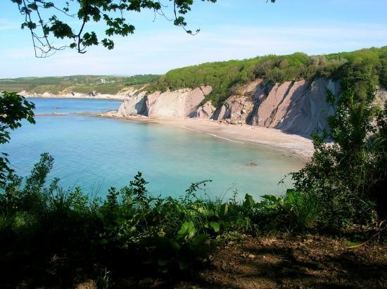 """La plage """"sauvage"""" de la baie de Loya"""