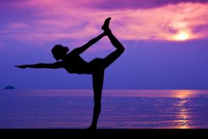 10 exercices de yoga à réaliser chez soi