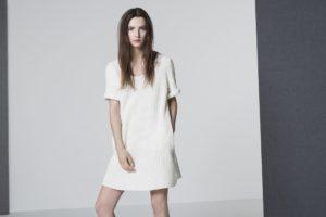 Le total look blanc, parfait en été comme en hiver