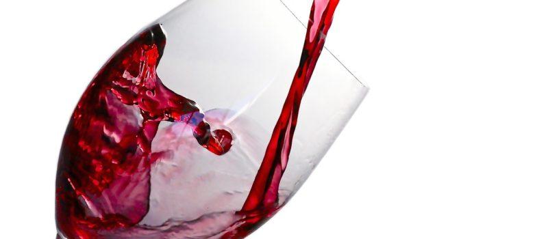 Essayer le vin pour une peau jeune et belle